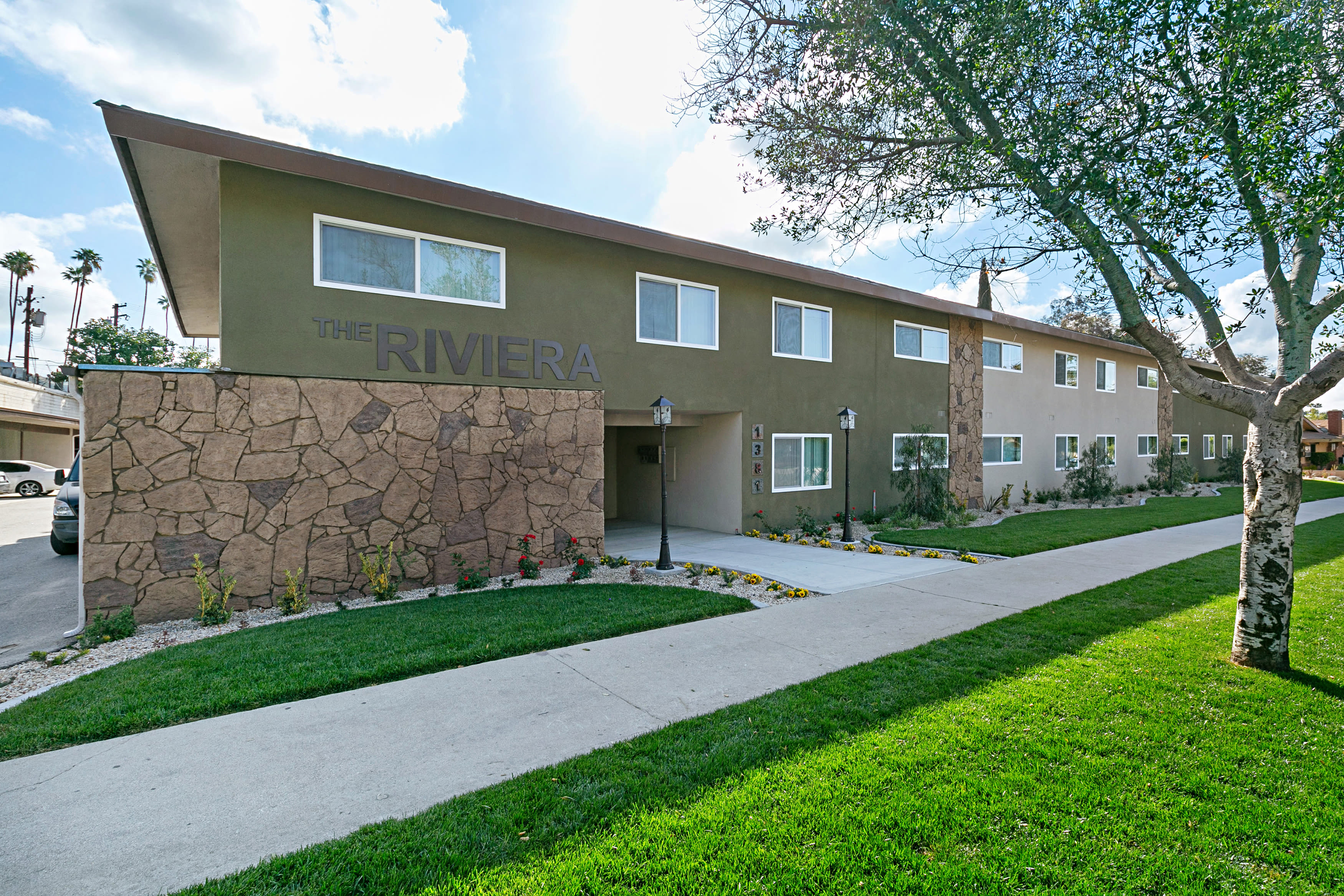 Riviera Apartments - Azusa, CA