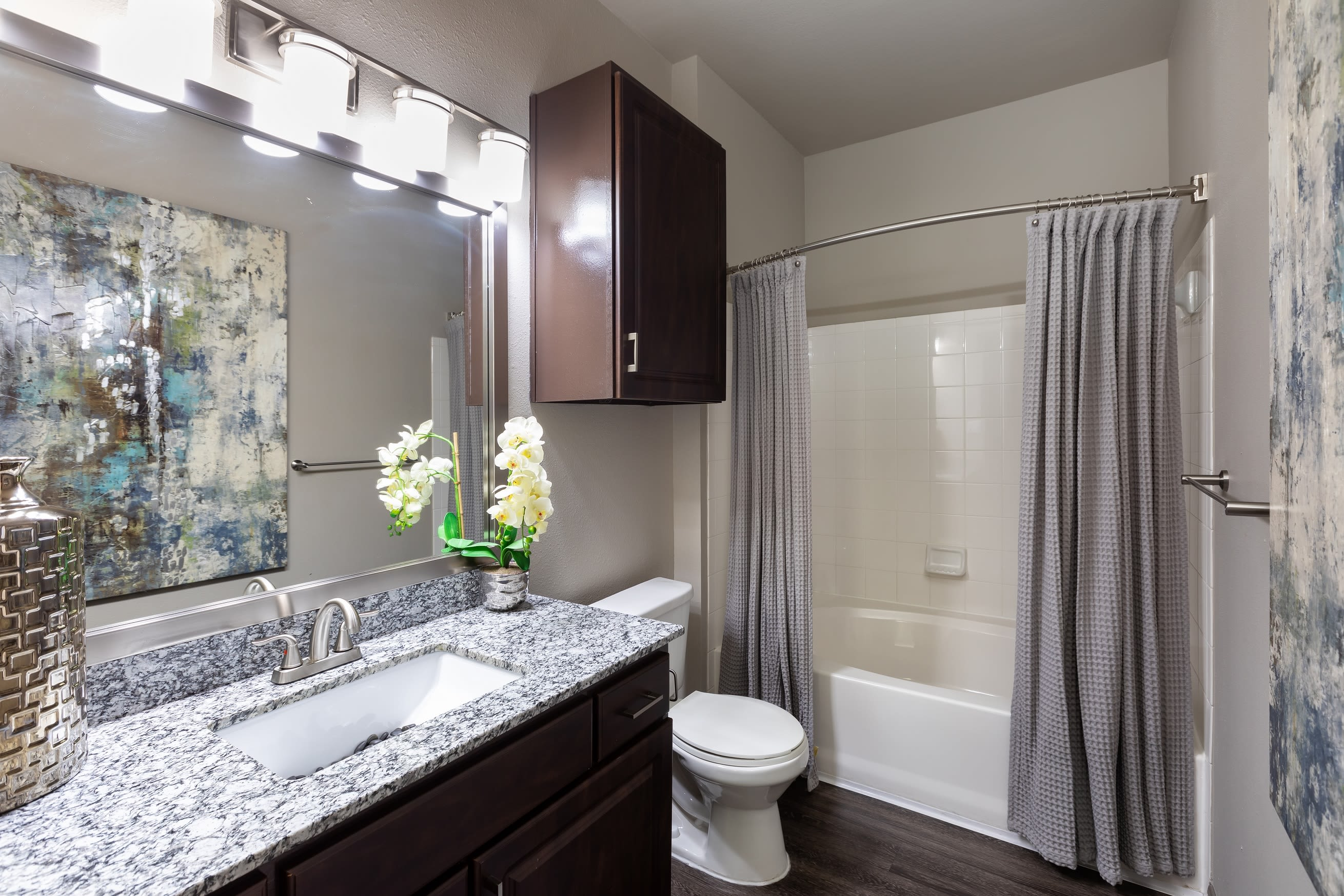 Large and luxurious main bathroom at Artisan at Lake Wyndemere in The Woodlands, Texas