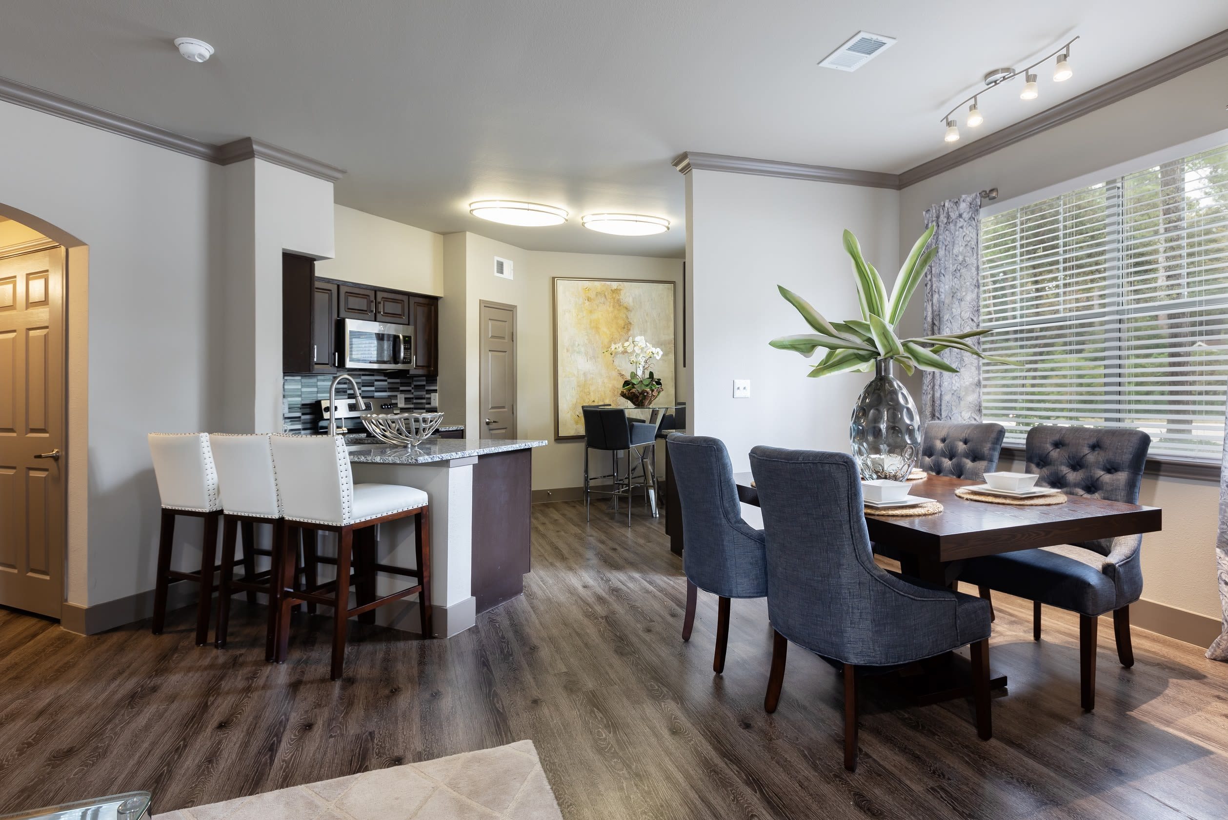 View virtual tour for 2 bedroom 2 bathroom suite at Artisan at Lake Wyndemere in The Woodlands, Texas