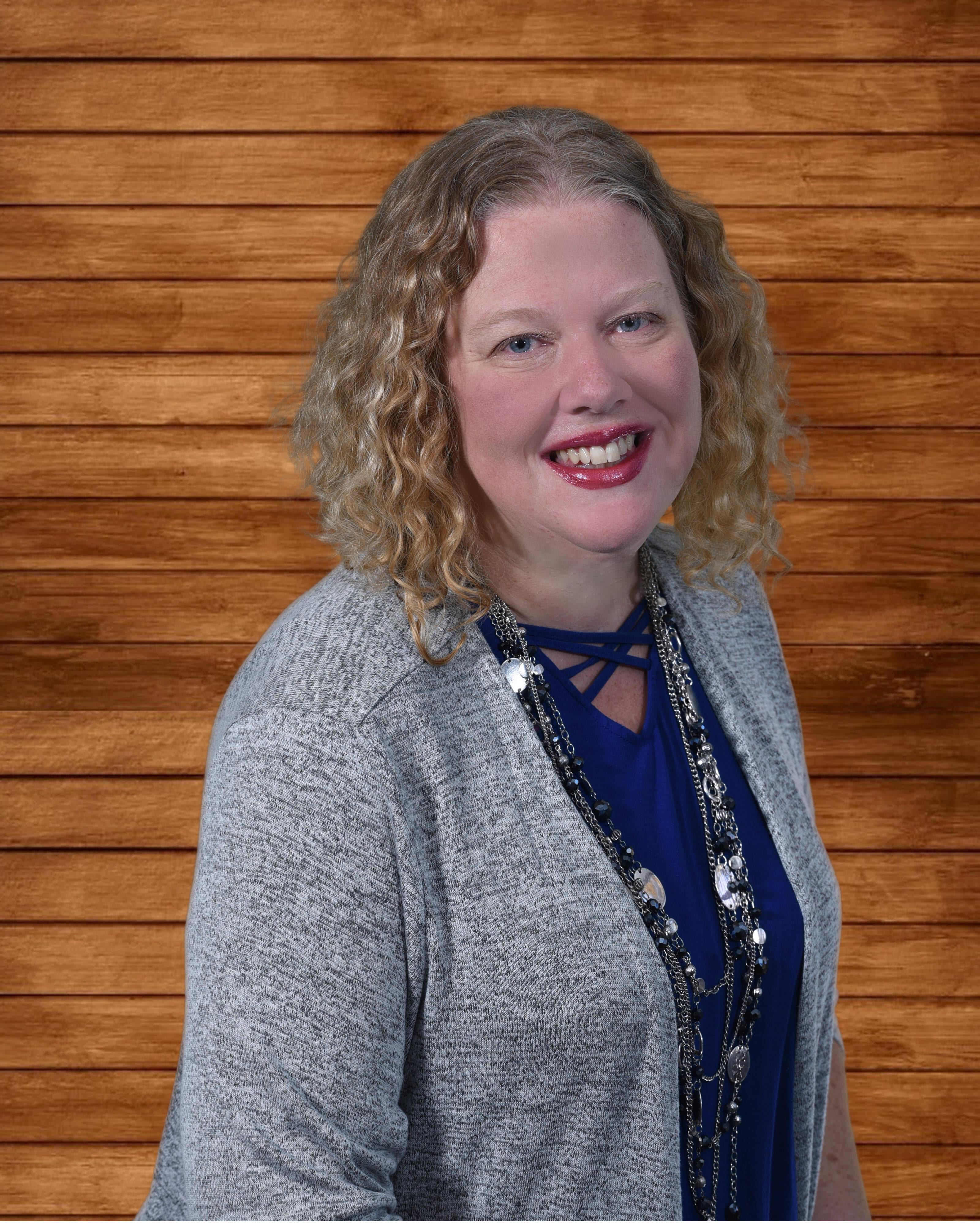 Wendy Loschiavo, Vice President, People Services Elegance Living, LLC