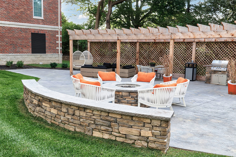 Outdoor lounge area at 933 the U in Rochester, New York