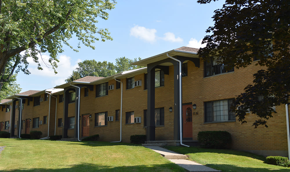 Exterior view of Creek Hill Apartments in Webster, New York