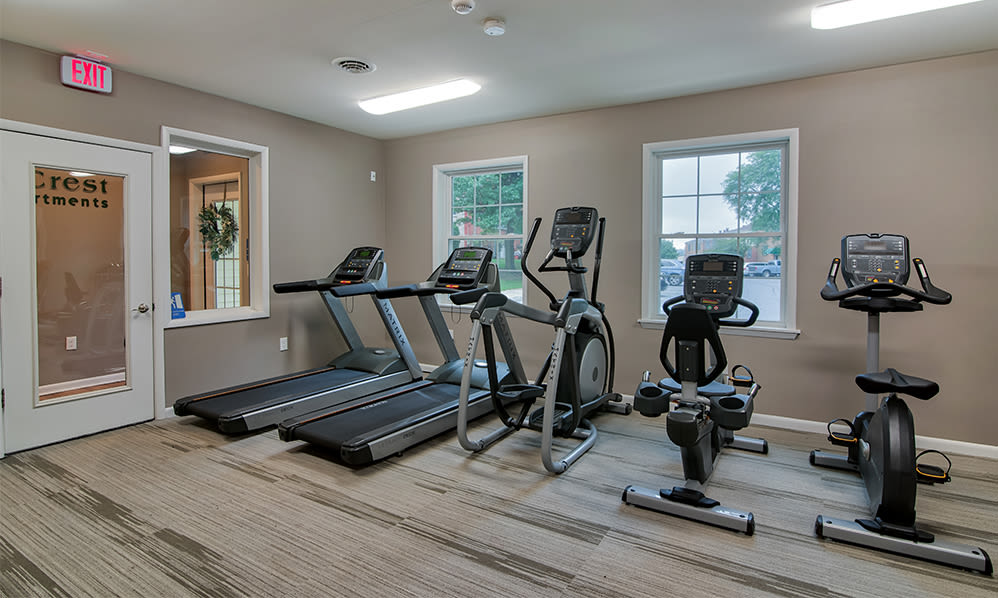 Fully equipped fitness center at Eagle's Crest Apartments in Harrisburg, Pennsylvania