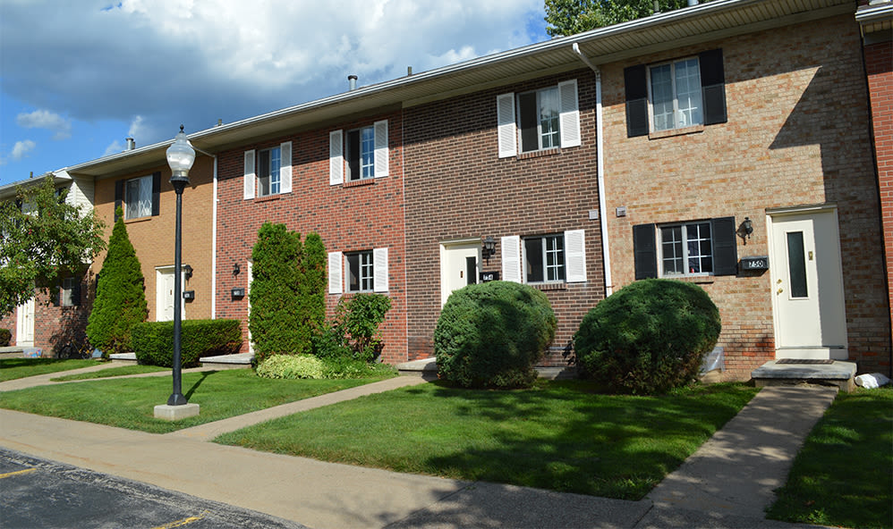 Exterior of Elmwood Terrace Apartments & Townhomes in Rochester, New York