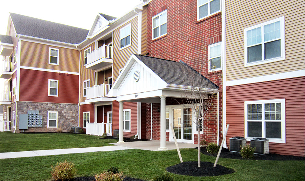 Beautiful apartments at Ethan Pointe Apartments in Rochester, New York