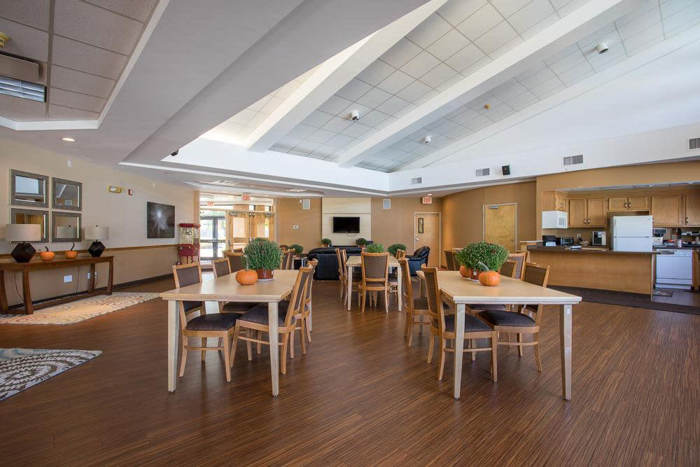 Clubhouse dining hall at Idylwood Resort Apartments in Cheektowaga, New York