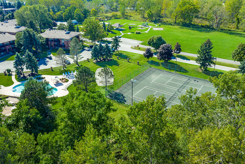 Aerial view of Idylwood Resort Apartments in Cheektowaga, New York