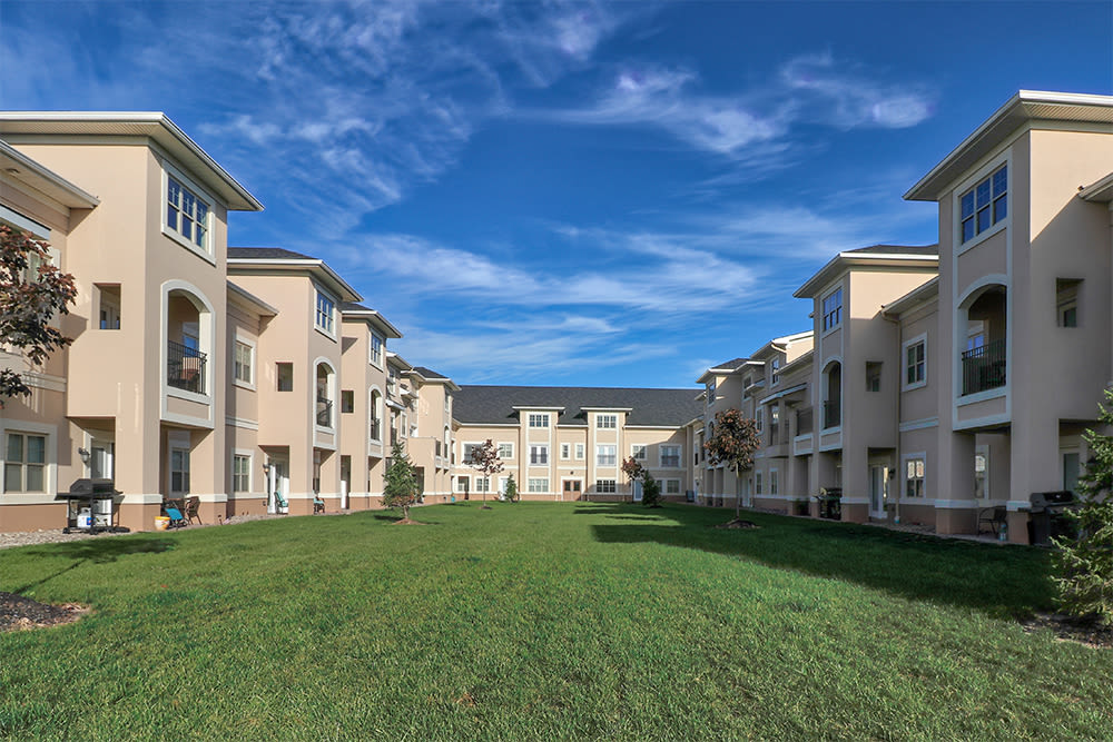 Courtyard at Gateway Landing on the Canal in Rochester, New York