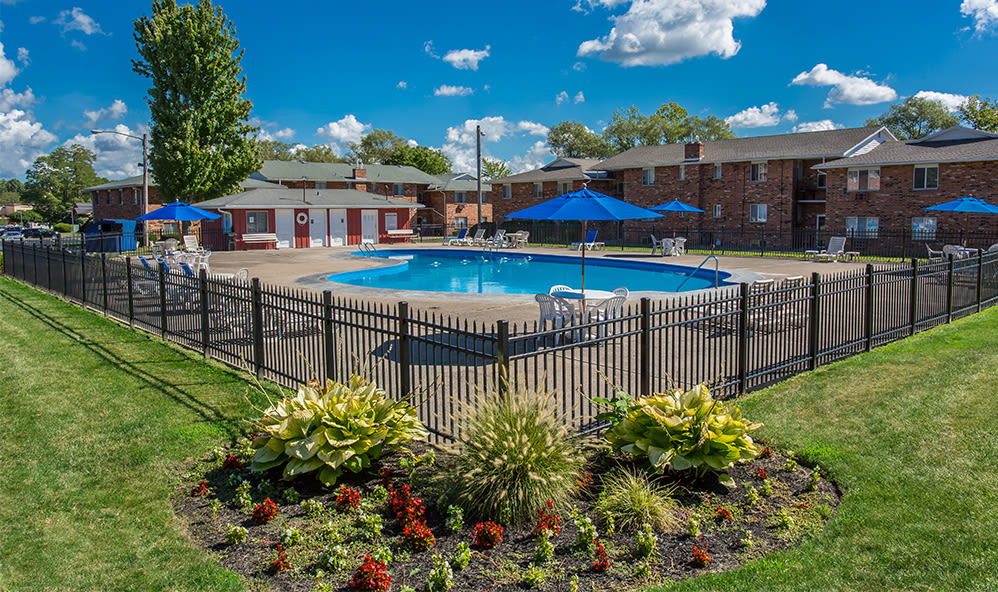 Sparkling swimming pool at Knollwood Manor Apartments in Fairport, New York