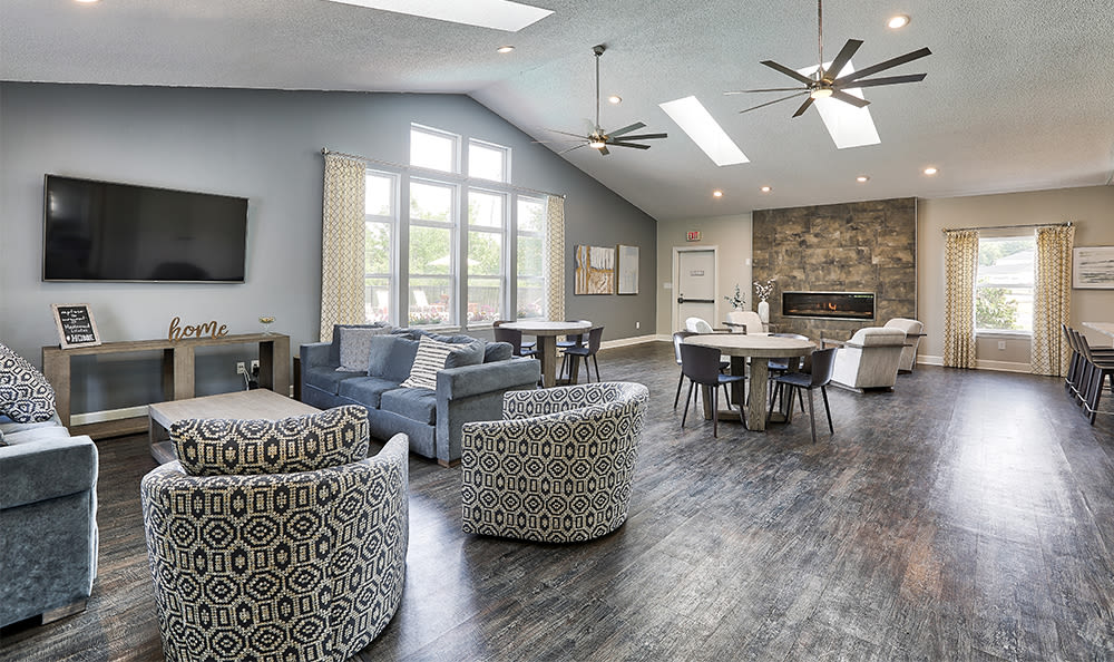 Community Center Lounge at Maplewood Estates Apartments in Hamburg, New York