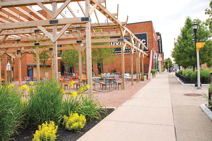 Outdoor patio at Park Place Townhomes in Buffalo, New York
