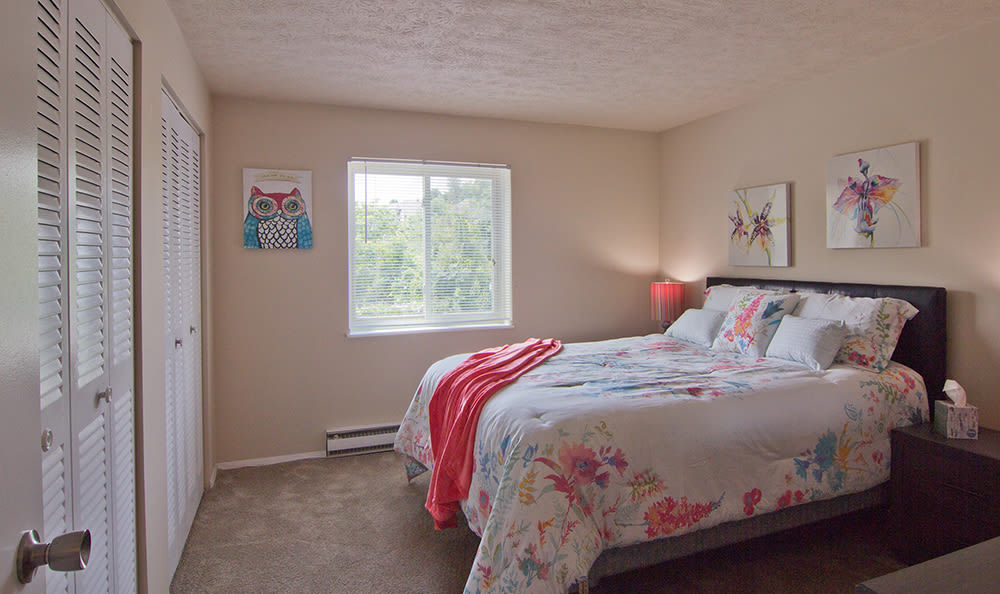 Bedroom with window at Park Place of South Park in South Park, Pennsylvania