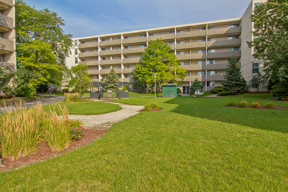 Exterior views of Park Towers Apartments in Richton Park, Illinois