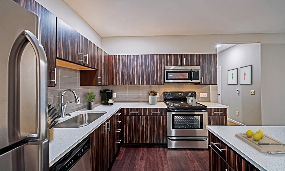 Reserve at Southpointe features modern kitchens in Canonsburg, Pennsylvania