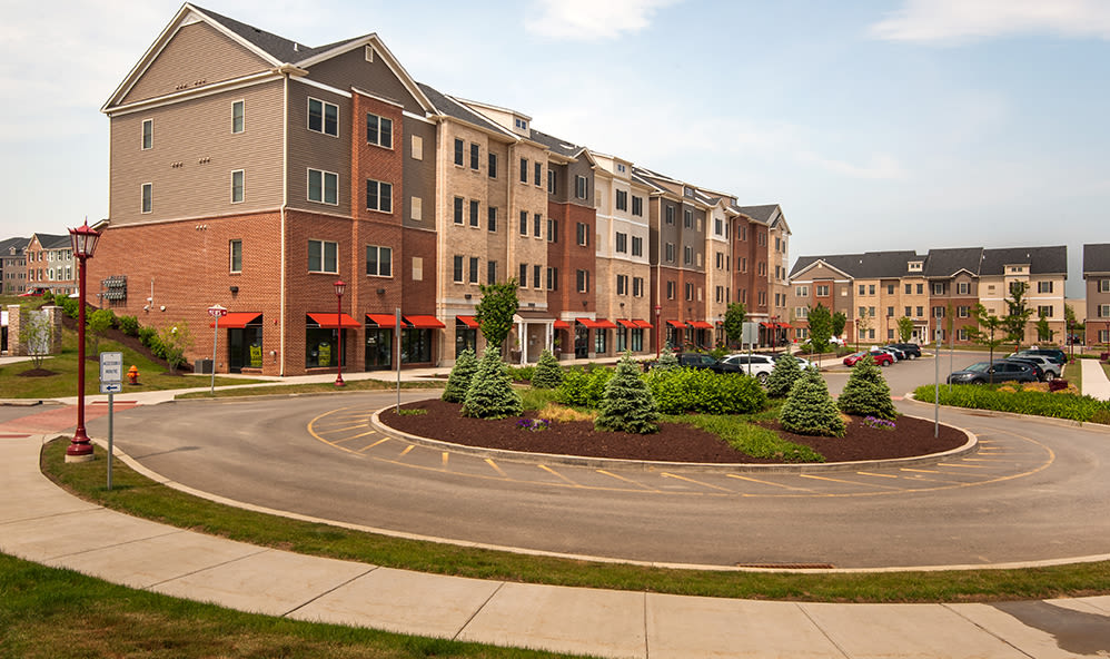 Exterior view of the apartments at Rochester Village Apartments at Park Place in Cranberry Township, Pennsylvania