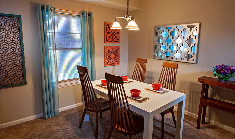 Cozy dining area at Rochester Village Apartments at Park Place in Cranberry Township, Pennsylvania
