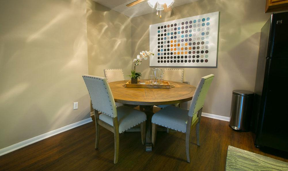 Dining room area at Solon Club Apartments in Oakwood Village, Ohio
