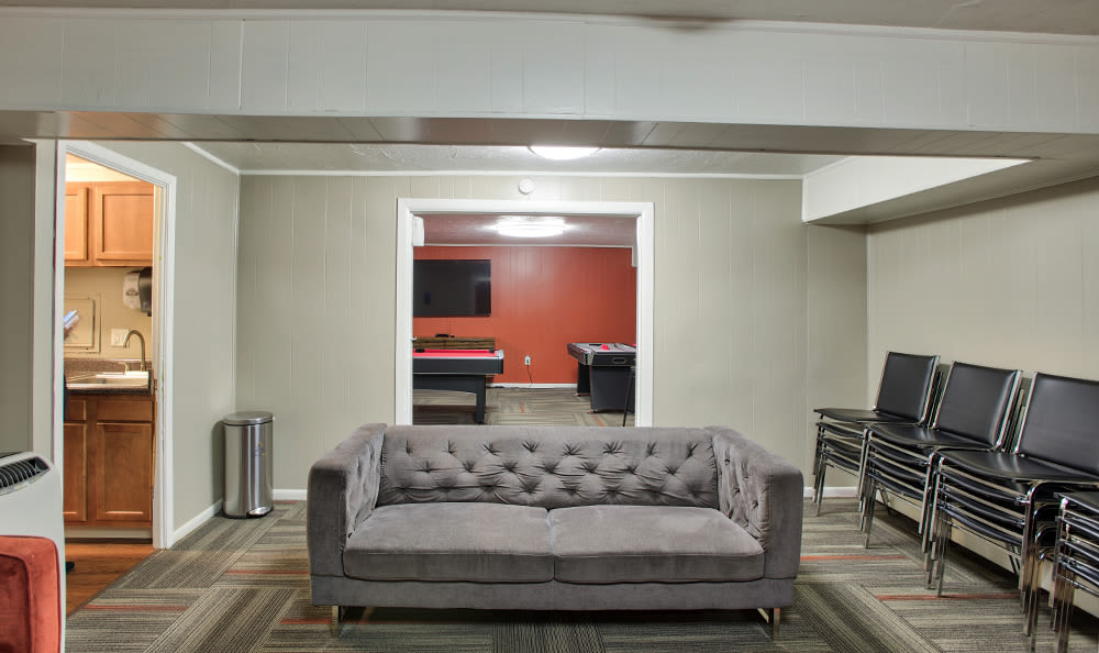 Clubhouse at Solon Club Apartments in Oakwood Village, Ohio