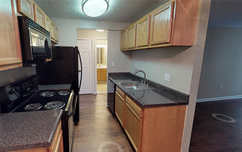 Virtual tour of a one bedroom apartment at Solon Club Apartments in Oakwood Village, Ohio
