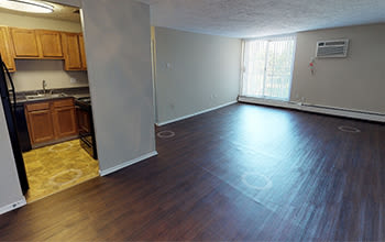 Virtual tour of a two bedroom apartment at Solon Club Apartments in Oakwood Village, Ohio