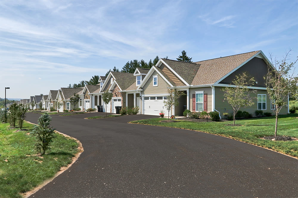Road to The Links at CenterPointe Townhomes in Canandaigua, New York