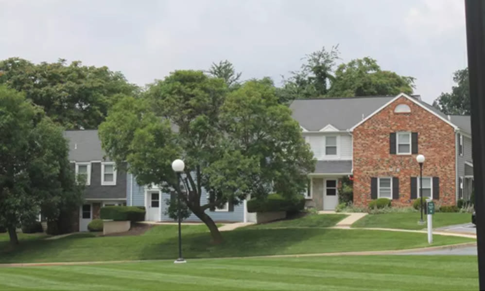 Beautiful landscaping at The Village of Laurel Ridge & The Encore Apartments & Townhomes in Harrisburg, Pennsylvania