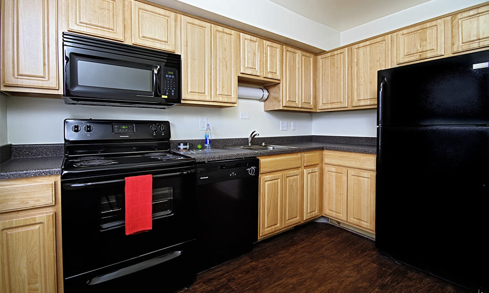 Kitchen at The Village of Laurel Ridge & The Encore Apartments & Townhomes in Harrisburg, Pennsylvania