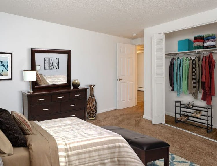 Enjoy a state-of-the-art bedroom at King's Court Manor Apartments apartments