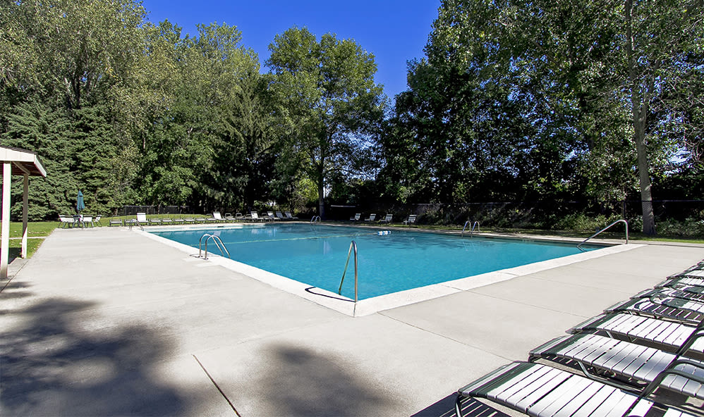 Sparkling swimming pool at Raintree Island Apartments in Tonawanda, New York