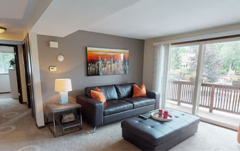 Virtual tour of a two bedroom apartment at Raintree Island Apartments in Tonawanda, New York