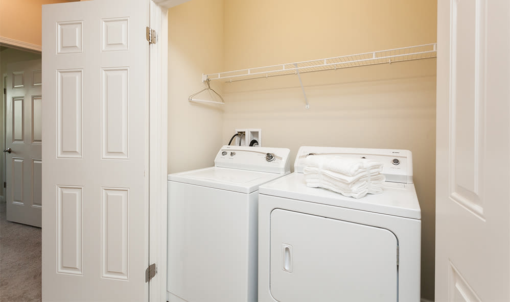 Washer and dryer at Saratoga Crossing in Farmington, New York