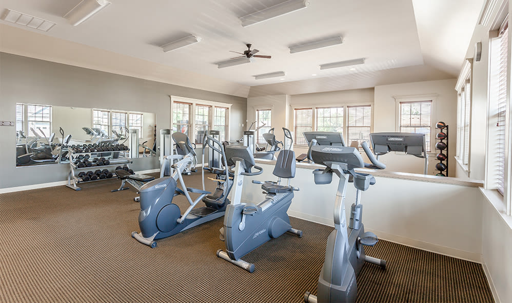 Fitness center for residents of Saratoga Crossing in Farmington, New York