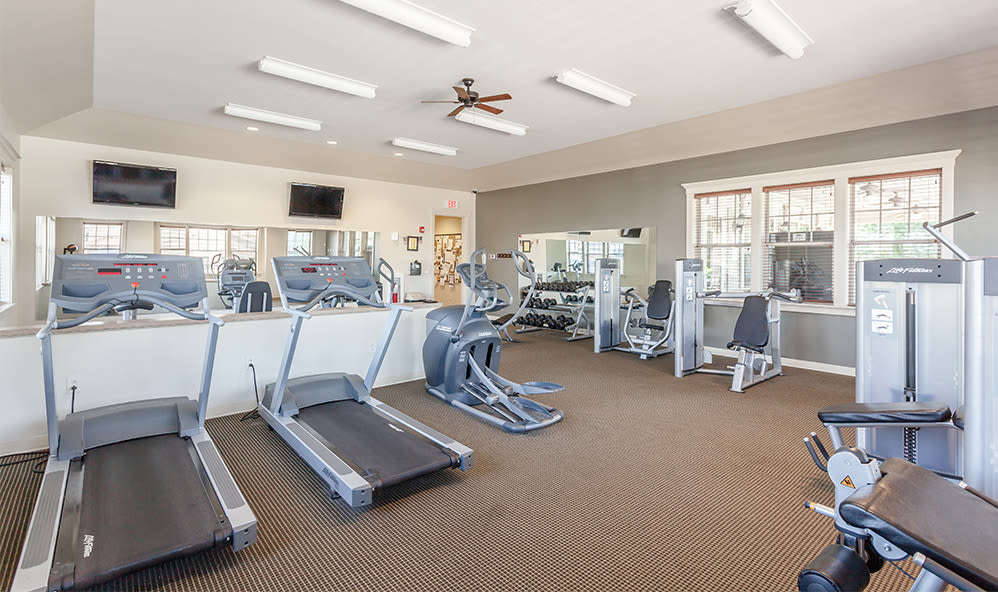 Modern fitness center at Saratoga Crossing in Farmington, New York