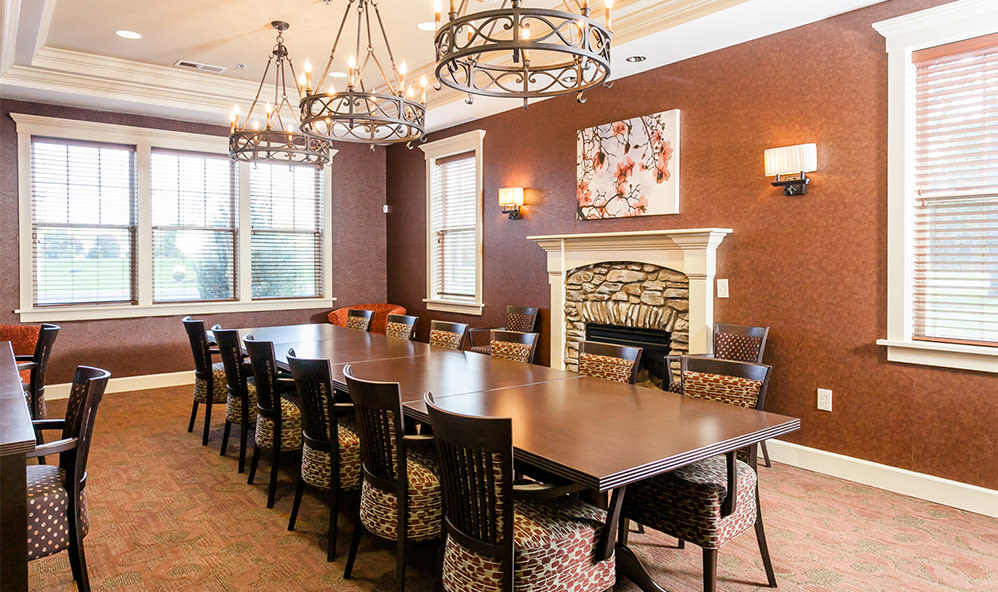 Clubhouse dining room at Saratoga Crossing in Farmington, New York