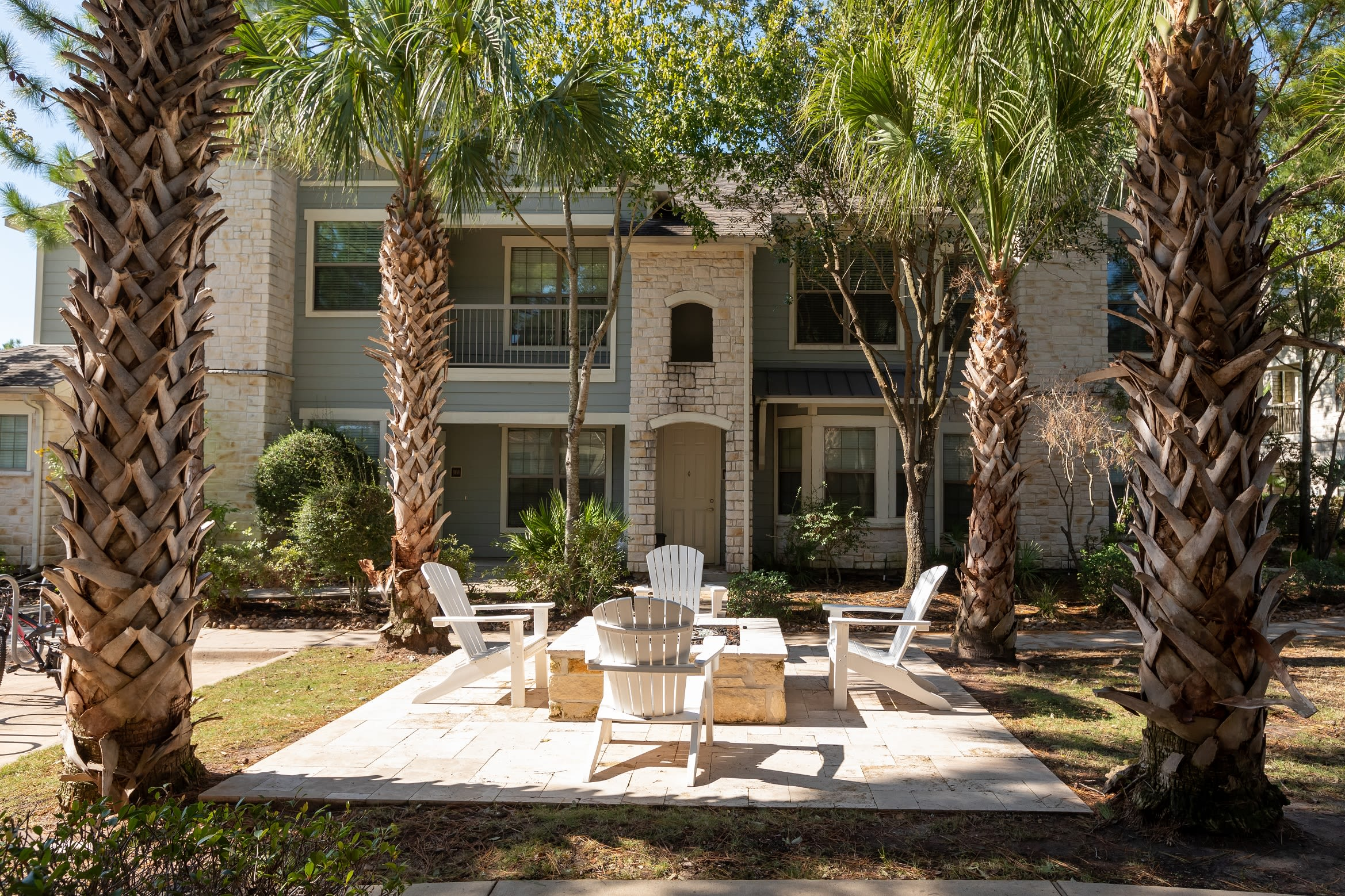 Outdoor fire pit at Lakefront Villas in Houston, Texas