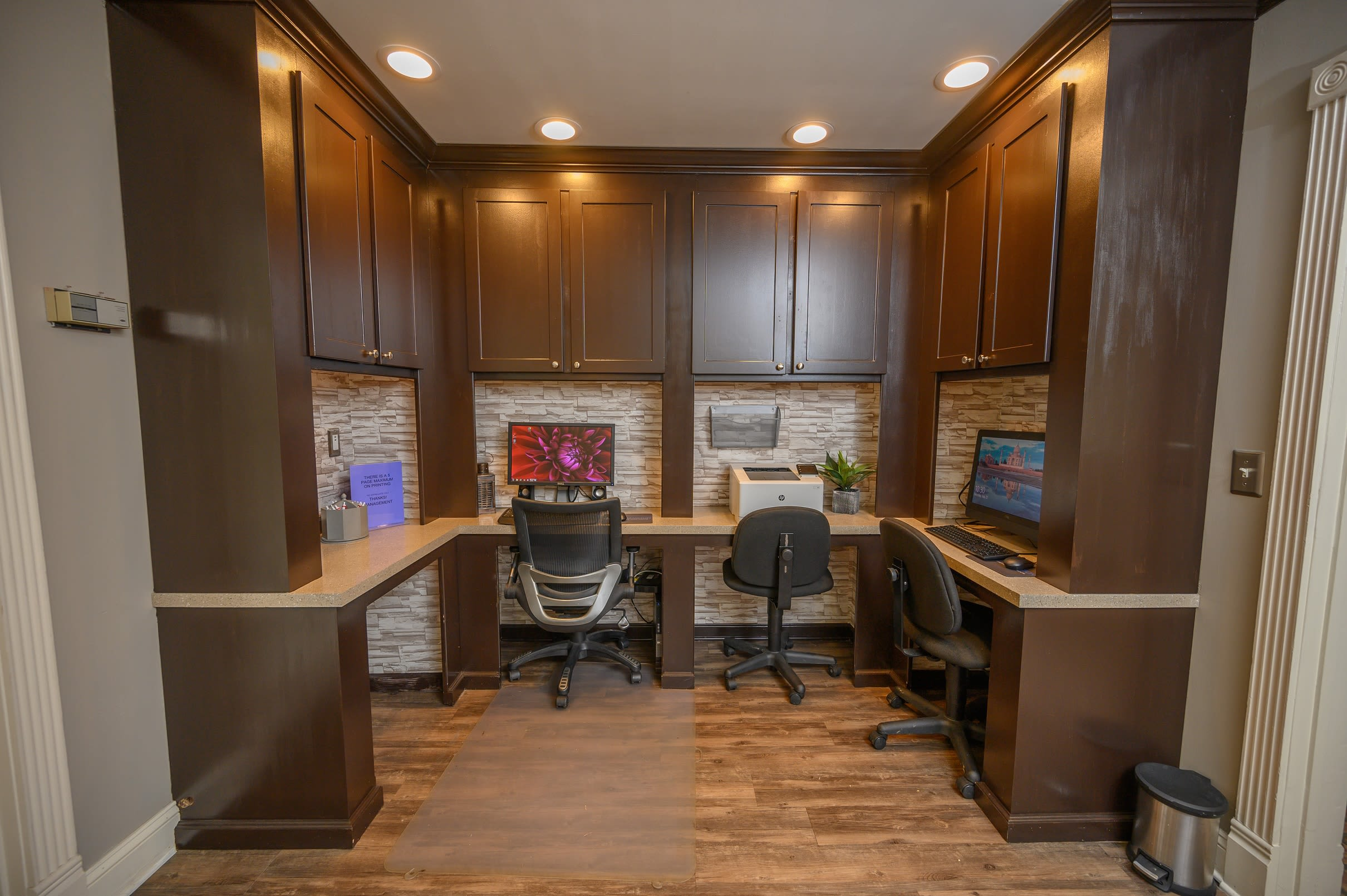 Resident business center with complementary desktop computers for use at The Hamilton in Hendersonville, Tennessee