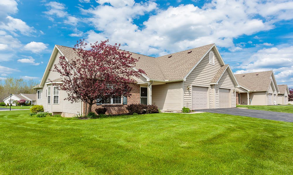 Garages available at Hickory Hollow in Spencerport, New York
