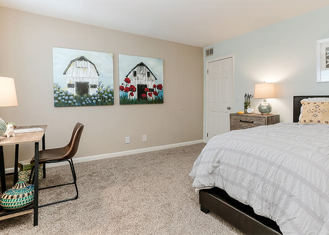 Spacious Bedroom at Mallards Landing Apartment Homes in Nashville, Tennessee