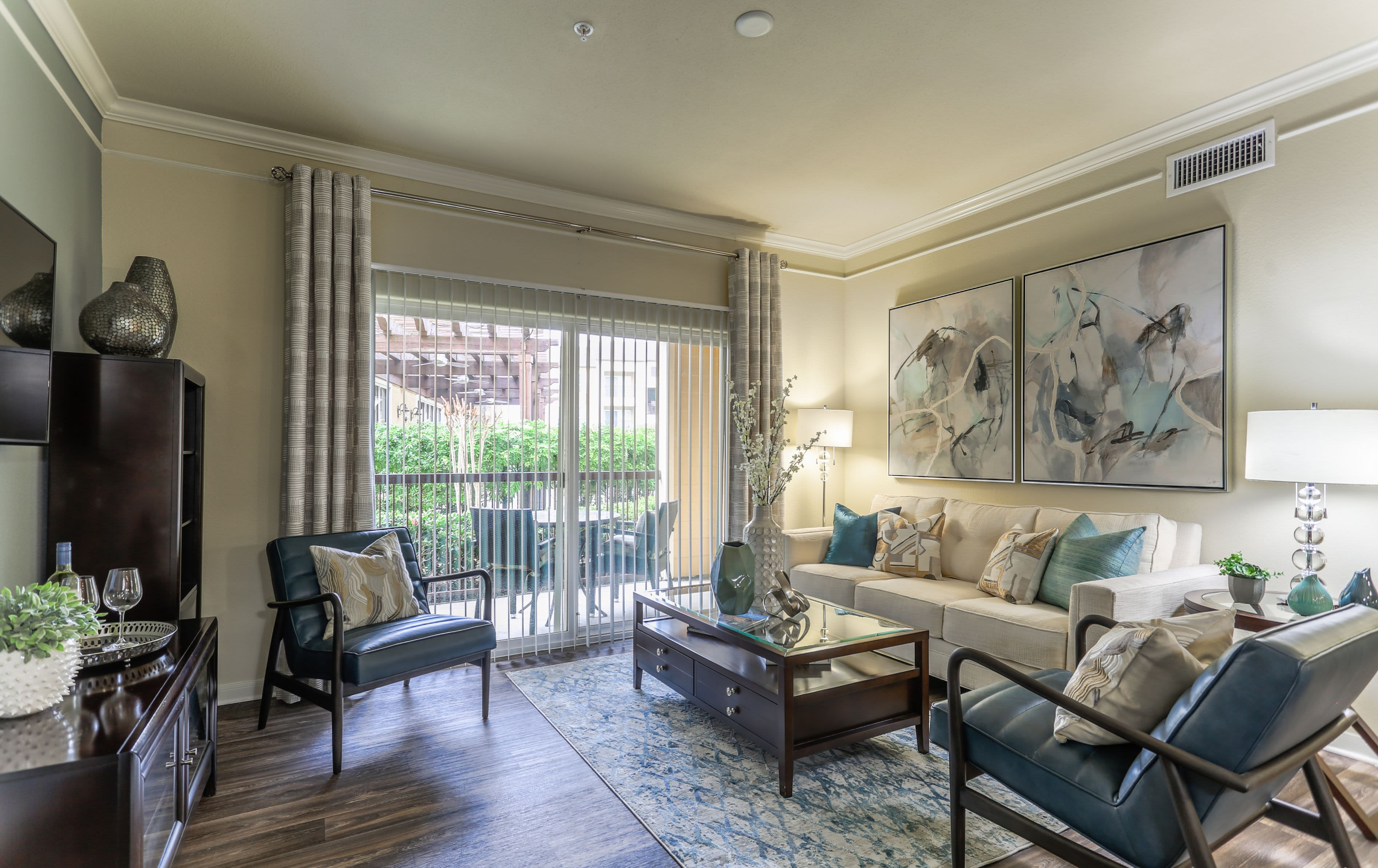 Living Area at Amalfi at Tuscan Lakes in League City Texas