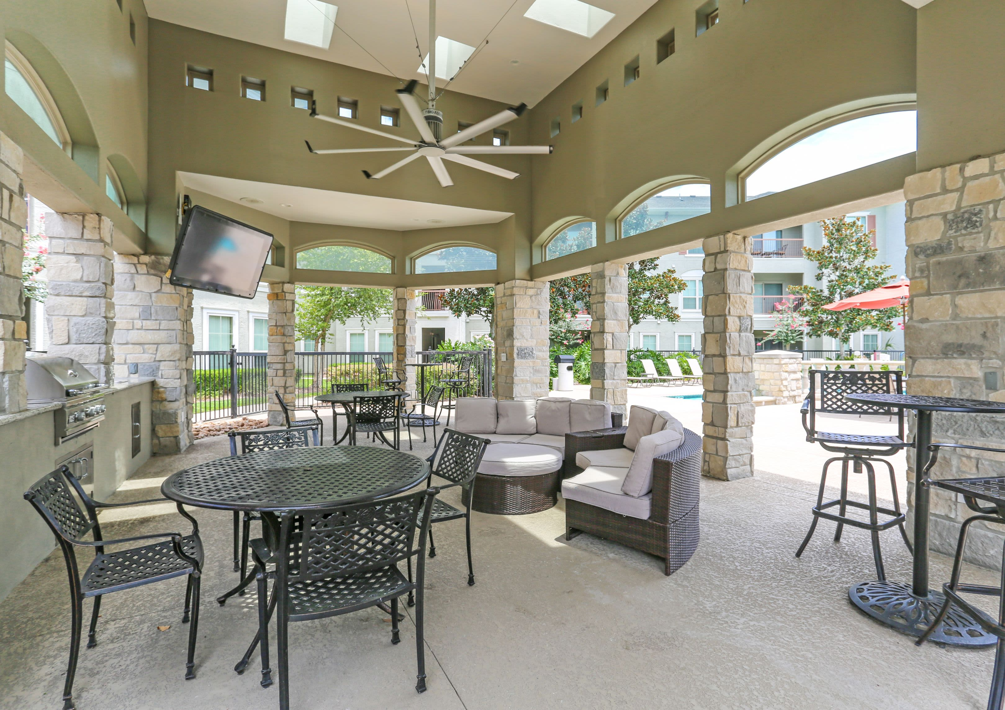 Outdoor Patio at at Sorrento at Tuscan Lakes in League City Texas