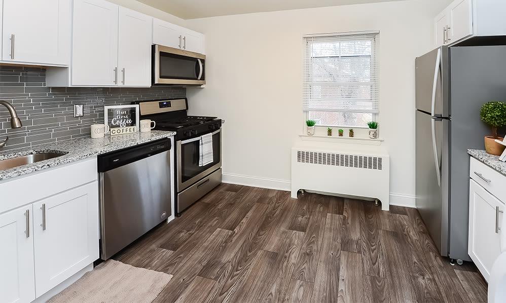 Modern kitchen at General Greene Village Apartment Homes in Springfield, NJ