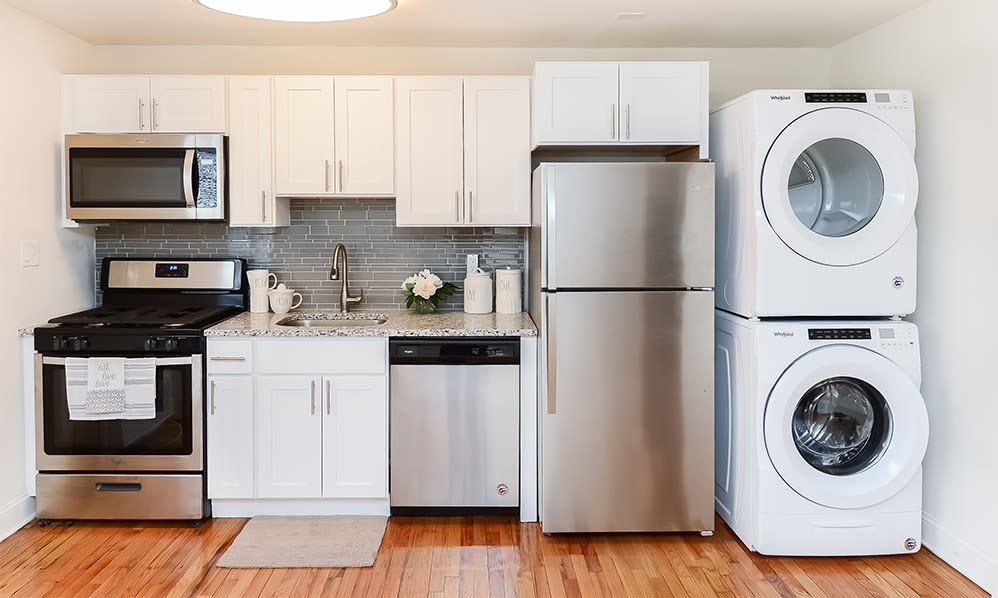 Fully equipped kitchen at General Greene Village Apartment Homes in Springfield, NJ