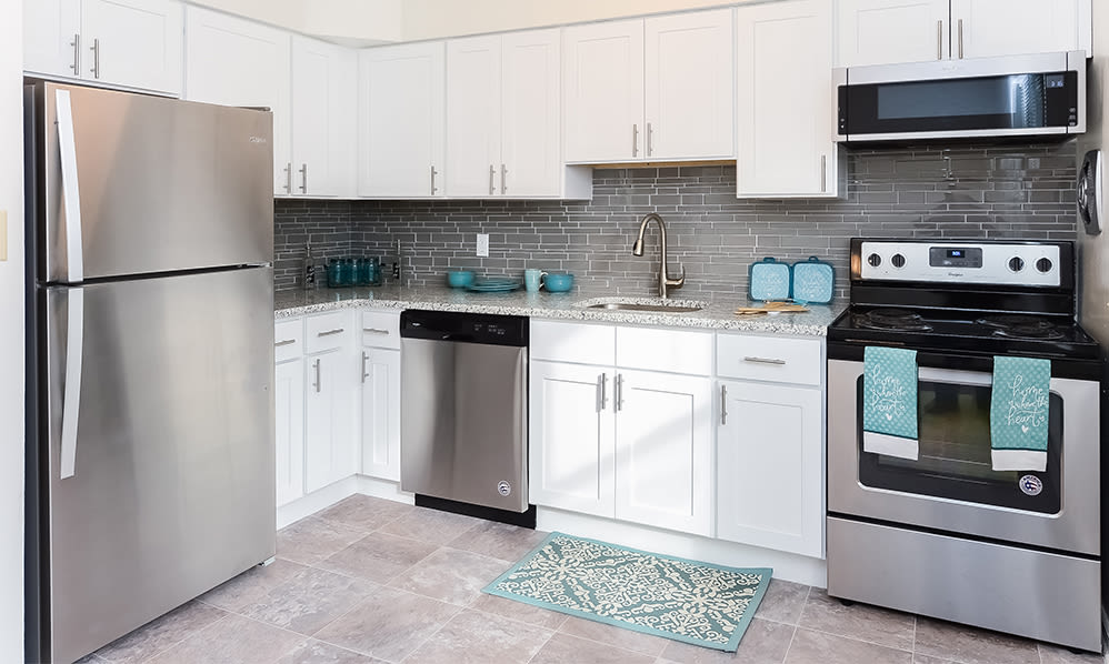 Modern kitchens at Eatoncrest Apartment Homes in Eatontown, New Jersey