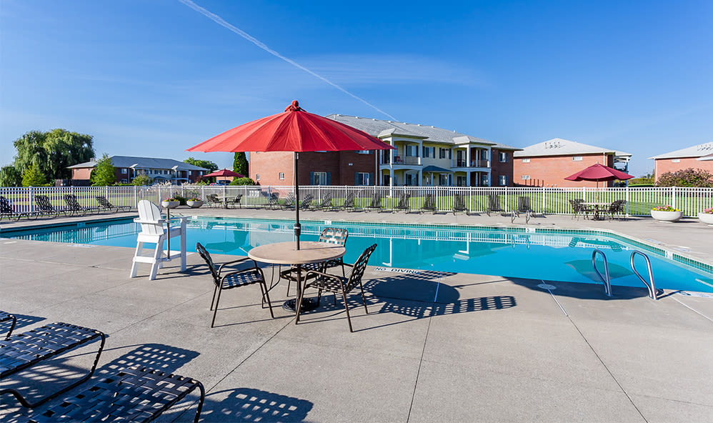 CenterPointe Apartments and Townhomes sparkling swimming pool in Canandaigua, New York