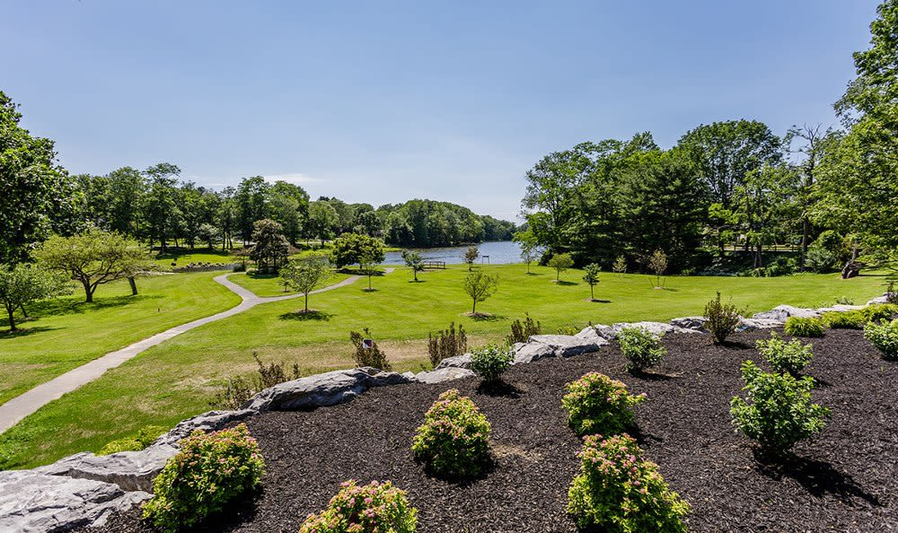 Beautiful landscaping at Green Lake Apartments & Townhomes in Orchard Park, New York