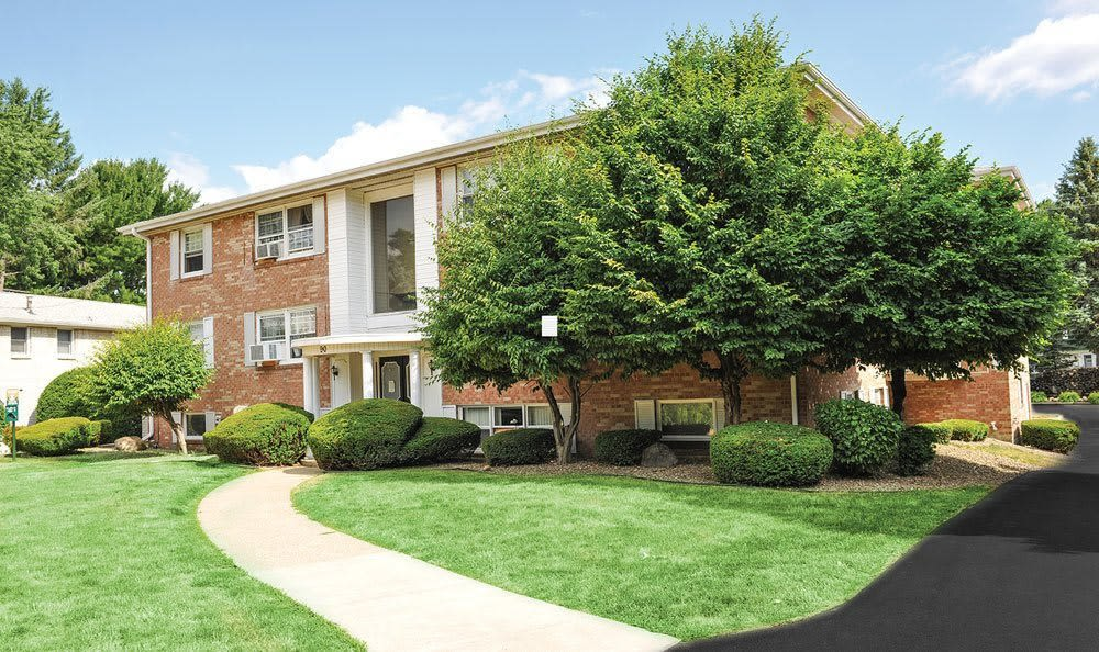 Lush landscaping at Green Lake Apartments & Townhomes in Orchard Park, New York