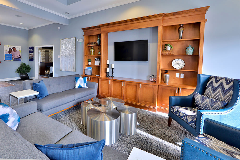 Resident Lounge at Orchard Meadows Apartment Homes in Ellicott City, Maryland