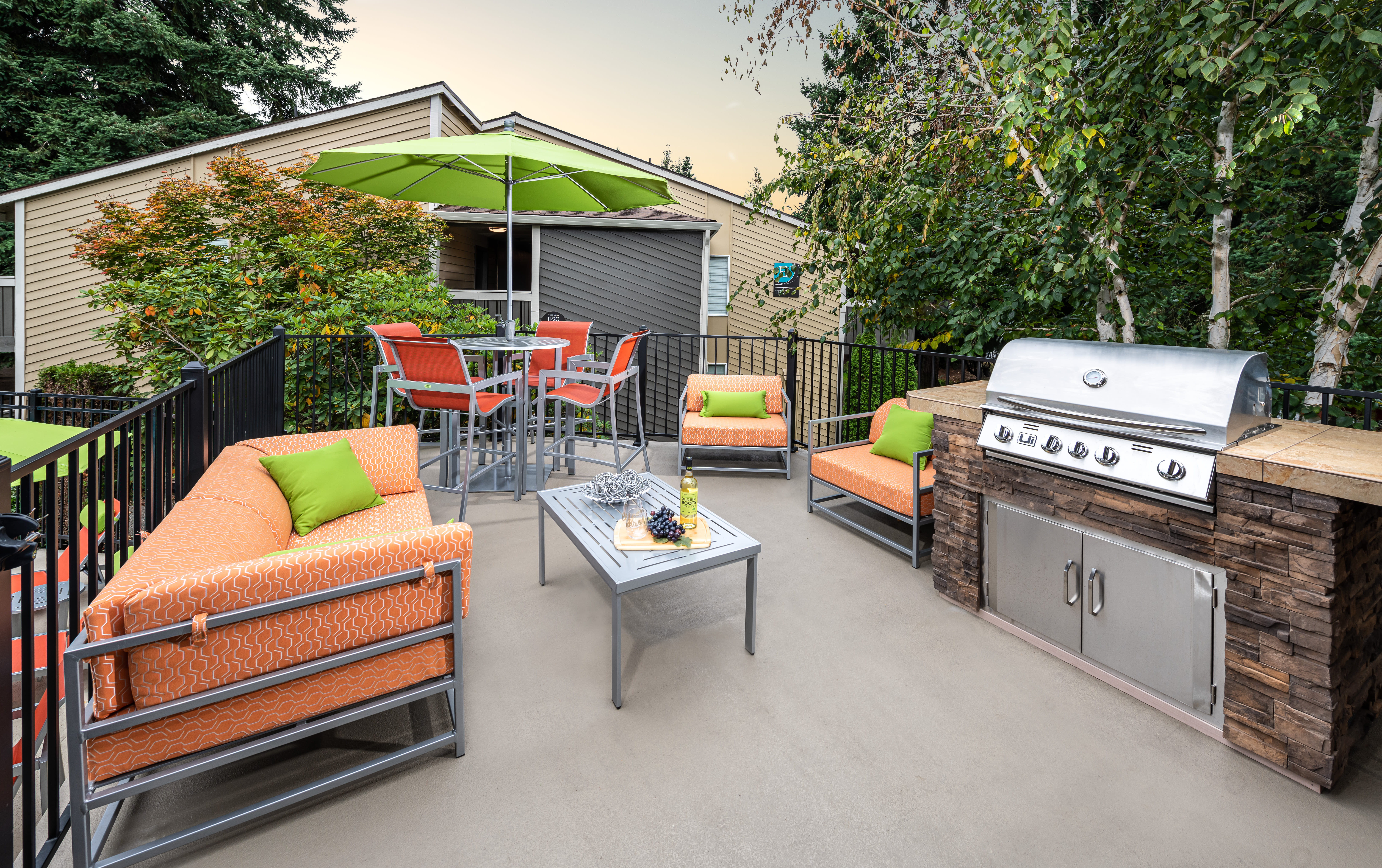 BBQ Area at Vue Kirkland Apartments in Kirkland, Washington