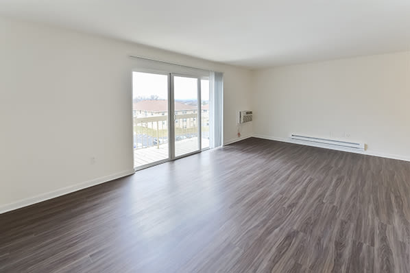 Living Room layout at Whitestone Village Apartment Homes in Allentown, Pennsylvania