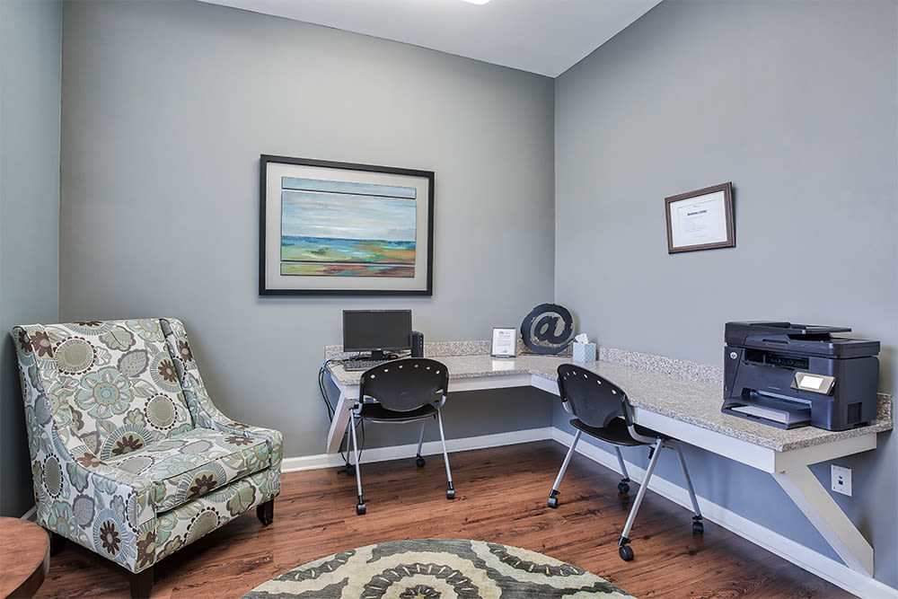 Business center at Overlook Apartments in Elsmere, Kentucky